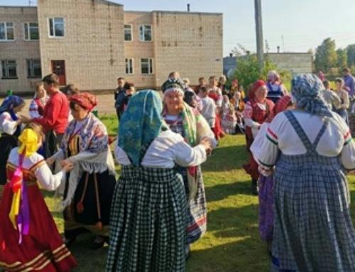 Коллектив «Супрядочки» на фестивале имени Ольги Сергеевой